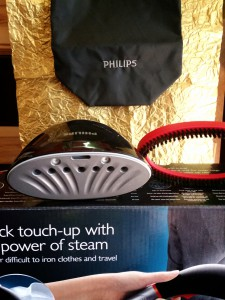Philips Steam & Go 2 in 1 Dampfbürste vorne