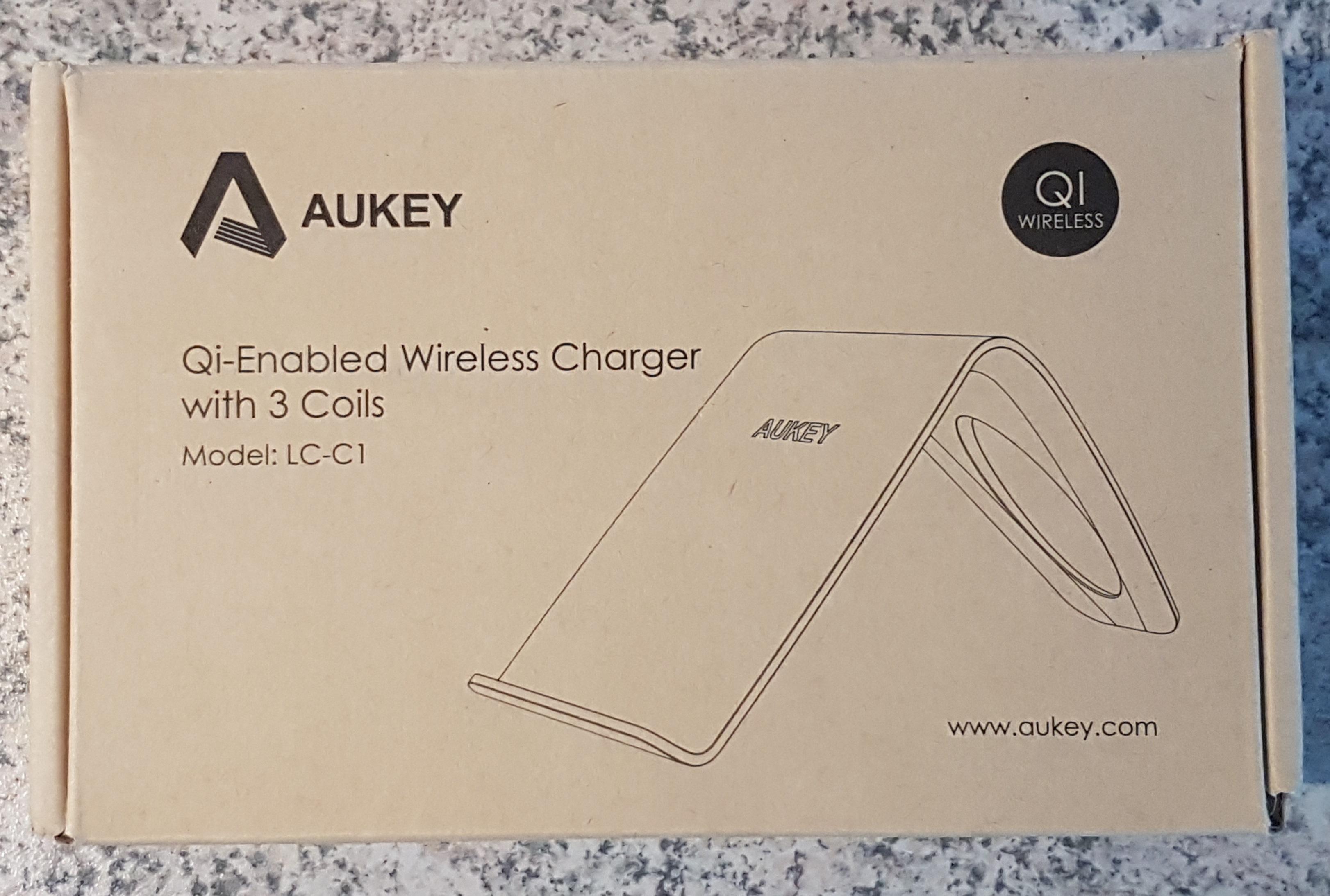 aukey-wireless-ladegeraet-qi-mit-drei-spulen-verpackung